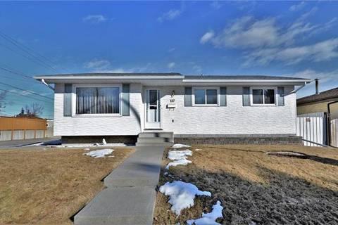 House for sale at 127 Huntwick Wy Northeast Calgary Alberta - MLS: C4289829