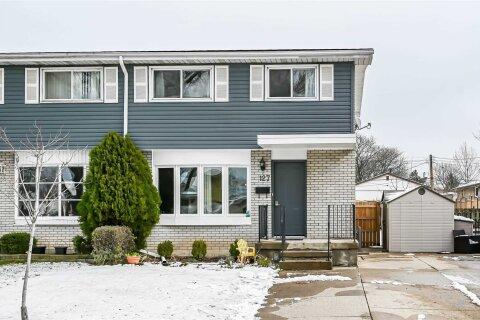 Townhouse for sale at 127 Meadowlark Dr Hamilton Ontario - MLS: X4998874