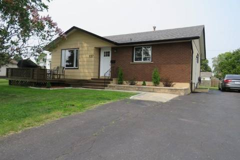 House for sale at 127 Miles St W Thunder Bay Ontario - MLS: TB192201