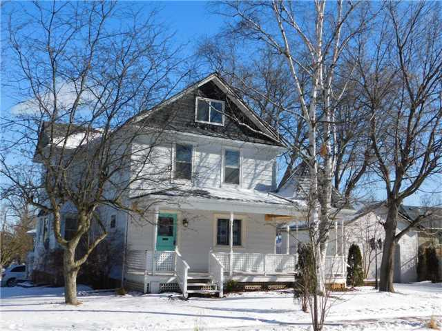 For Sale: 127 Niagara Street, Newmarket, ON   3 Bed, 3 Bath House for $689,900. See 13 photos!