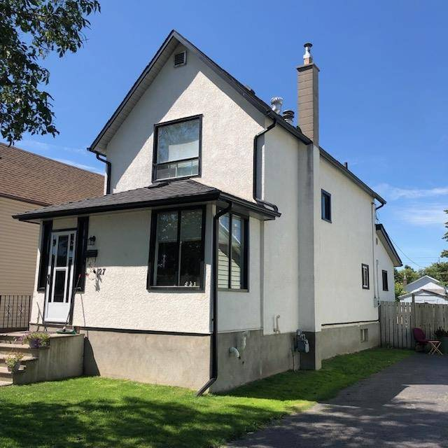 House for sale at 127 Norah St S Thunder Bay Ontario - MLS: TB192704