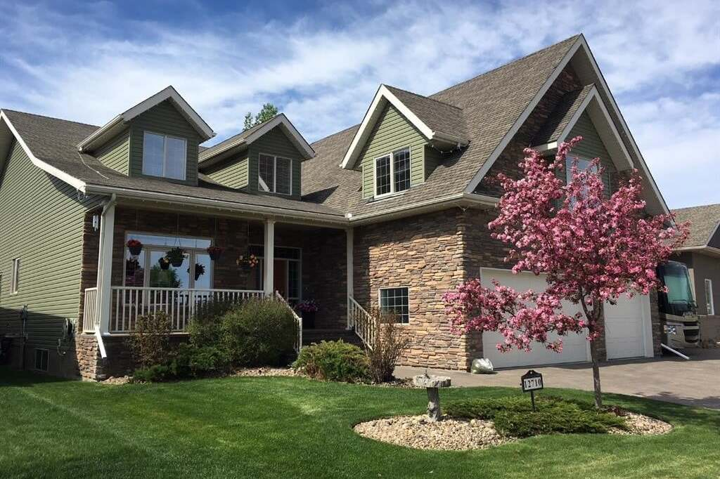 House for sale at 12710 Lakeshore Dr Grande Prairie Alberta - MLS: A1001197