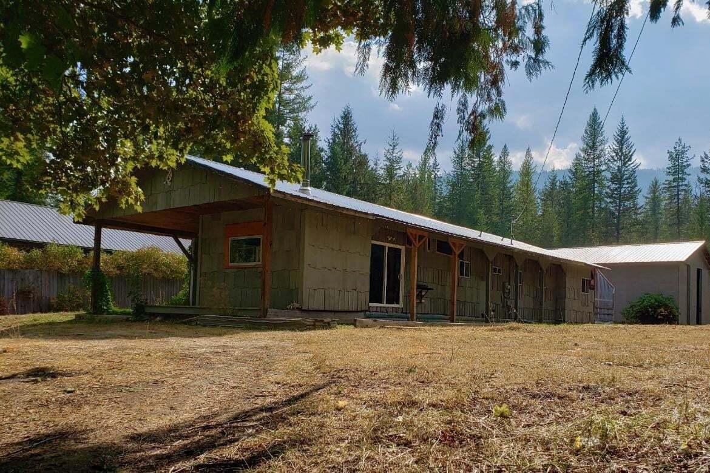 12721 Highway 31 , Cooper Creek | Image 1