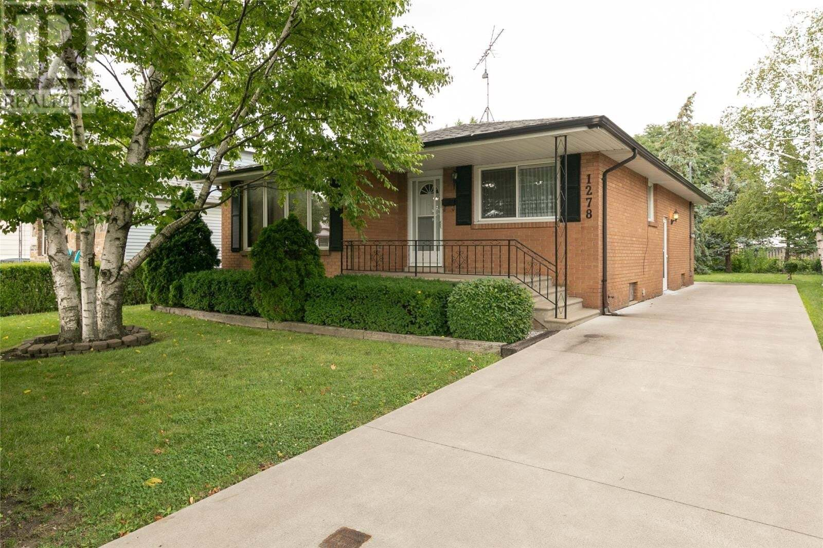 House for sale at 1278 Aubin Rd Windsor Ontario - MLS: 20009902