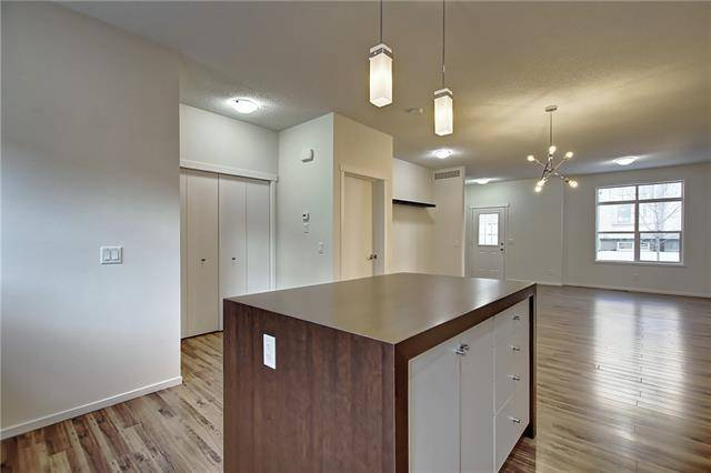 128 - 300 Evanscreek Court Northwest, Calgary | Image 2