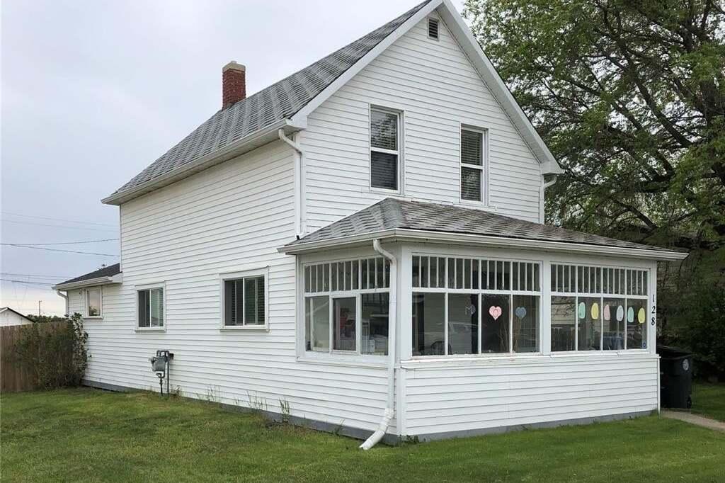 House for sale at 128 3rd Ave E Biggar Saskatchewan - MLS: SK810717