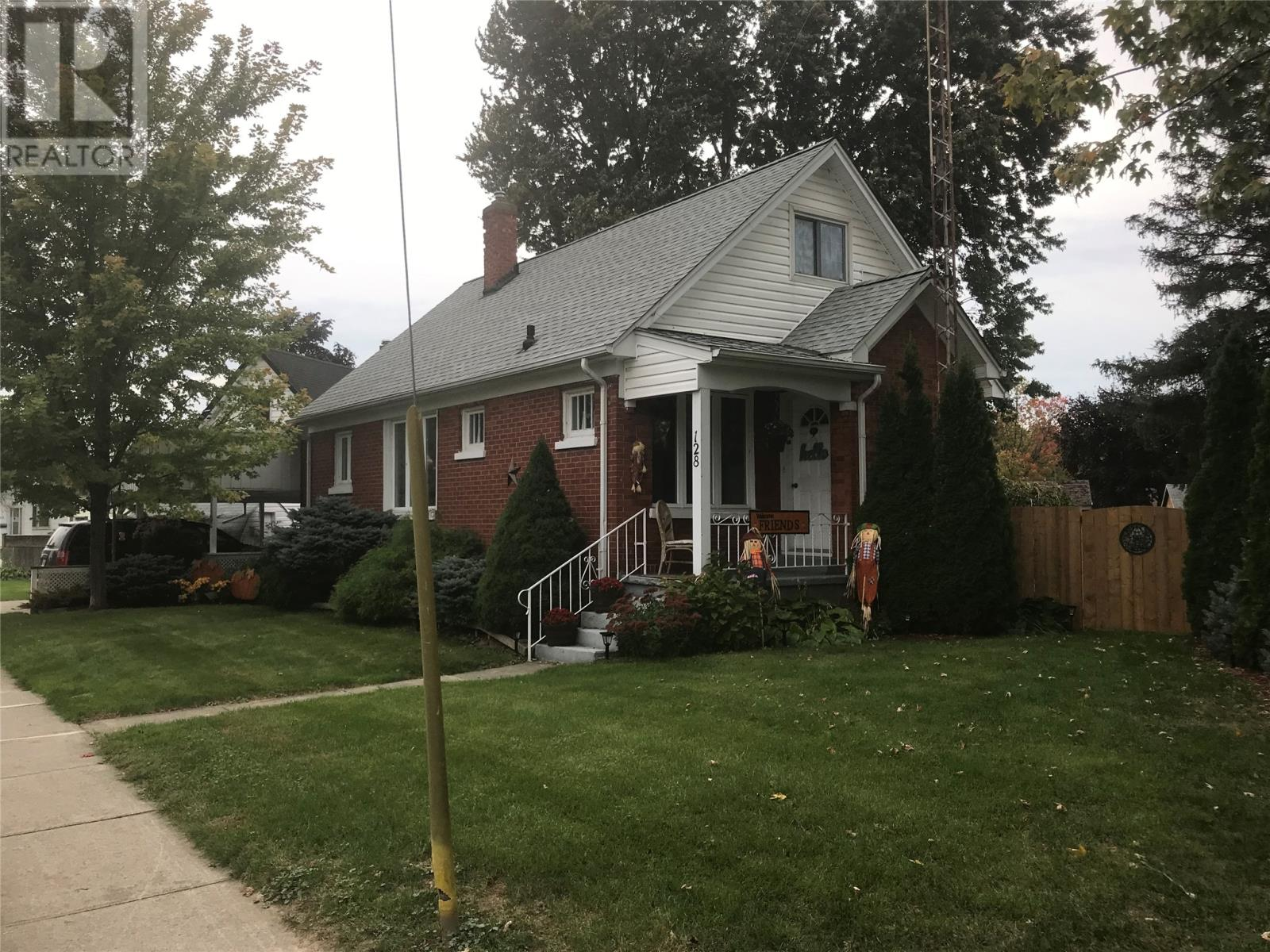 Removed: 128 Herbert, Wallaceburg, ON - Removed on 2019-11-03 12:06:19