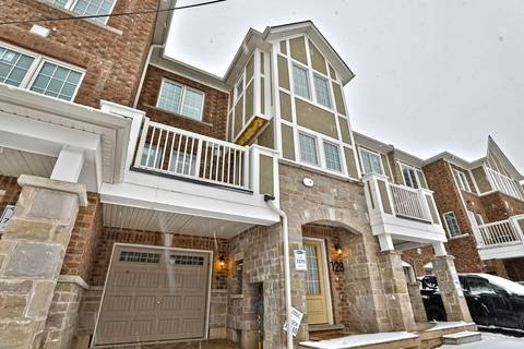 Townhouse for rent at 128 Stork St Oakville Ontario - MLS: W4730991