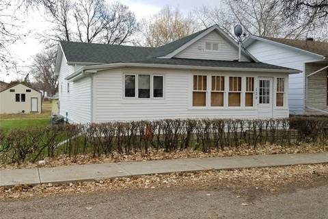 House for sale at 129 2nd St W Lafleche Saskatchewan - MLS: SK792647