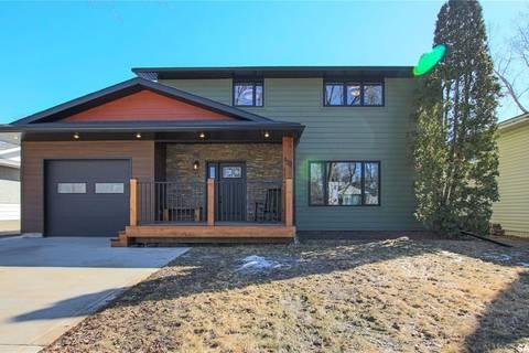 House for sale at 129 Riddell Cres Regina Saskatchewan - MLS: SK803908