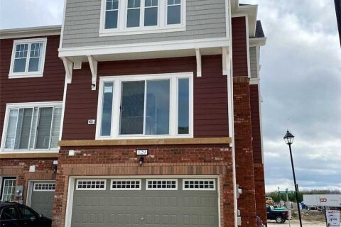 Townhouse for rent at 129 Sandhill Crane Dr Wasaga Beach Ontario - MLS: S4967005