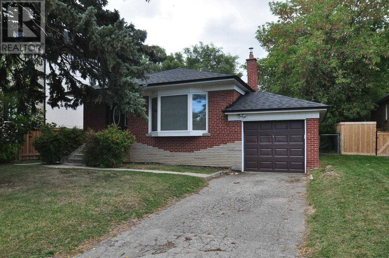 House for rent at 129 Searle Ave Toronto Ontario - MLS: C4545646