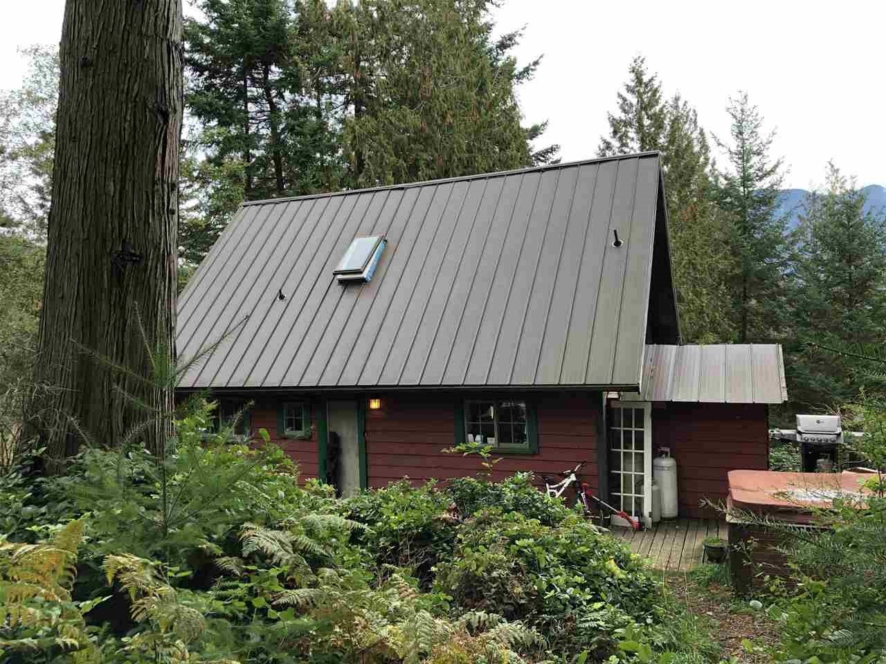 For Sale: 1291 Oceanview Road, Bowen Island, BC | 3 Bed, 1 Bath House for $684000.