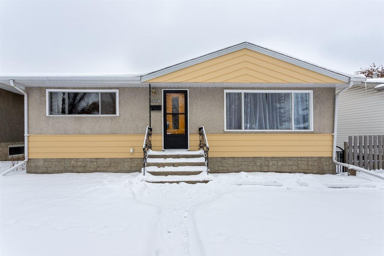 House for sale at 12935 113a St NW Edmonton Alberta - MLS: E4217640
