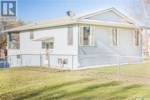 House for sale at 1298 14th St W Prince Albert Saskatchewan - MLS: SK766525