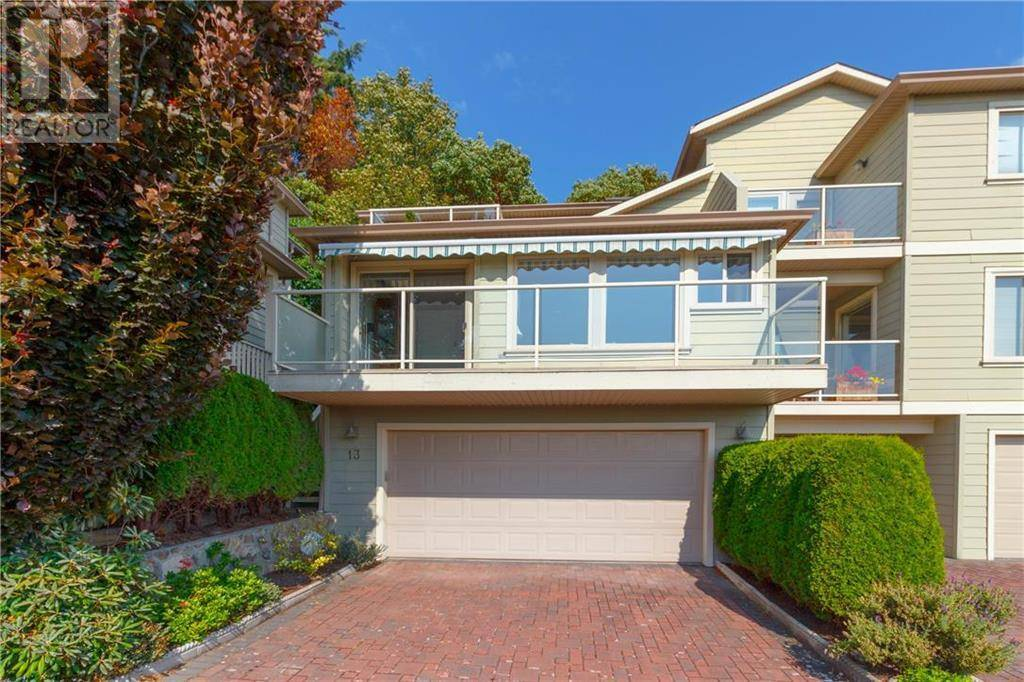 Townhouse for sale at 127 Aldersmith Pl Unit 13 Victoria British Columbia - MLS: 413776