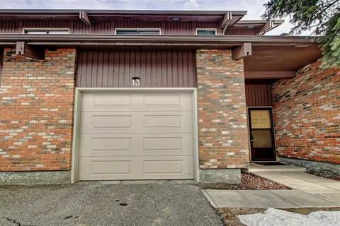 Townhouse for sale at 2323 Oakmoor Dr Southwest Unit 13 Calgary Alberta - MLS: C4291607