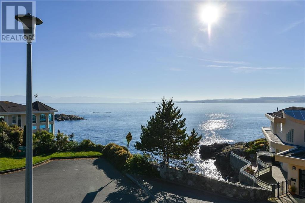 Removed: 13 - 300 Plaskett Place, Victoria, BC - Removed on 2018-12-14 04:24:11