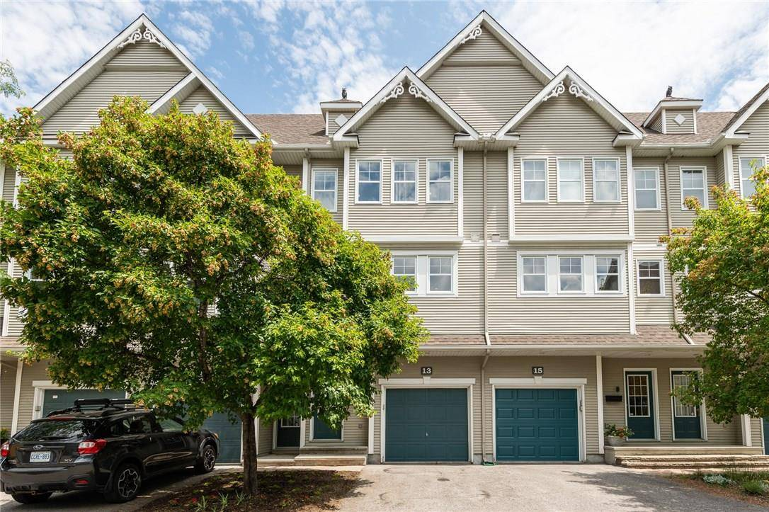 Townhouse for rent at 825 Grenon Ave Unit 13 Ottawa Ontario - MLS: 1159238