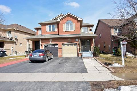 Townhouse for sale at 13 Blairwood Ct Brampton Ontario - MLS: W4389032