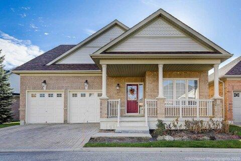 Townhouse for sale at 13 Calliandra Tr Brampton Ontario - MLS: W4988321