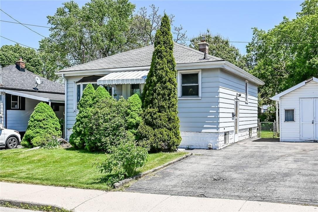 House for sale at 13 David Ave Hamilton Ontario - MLS: H4078505