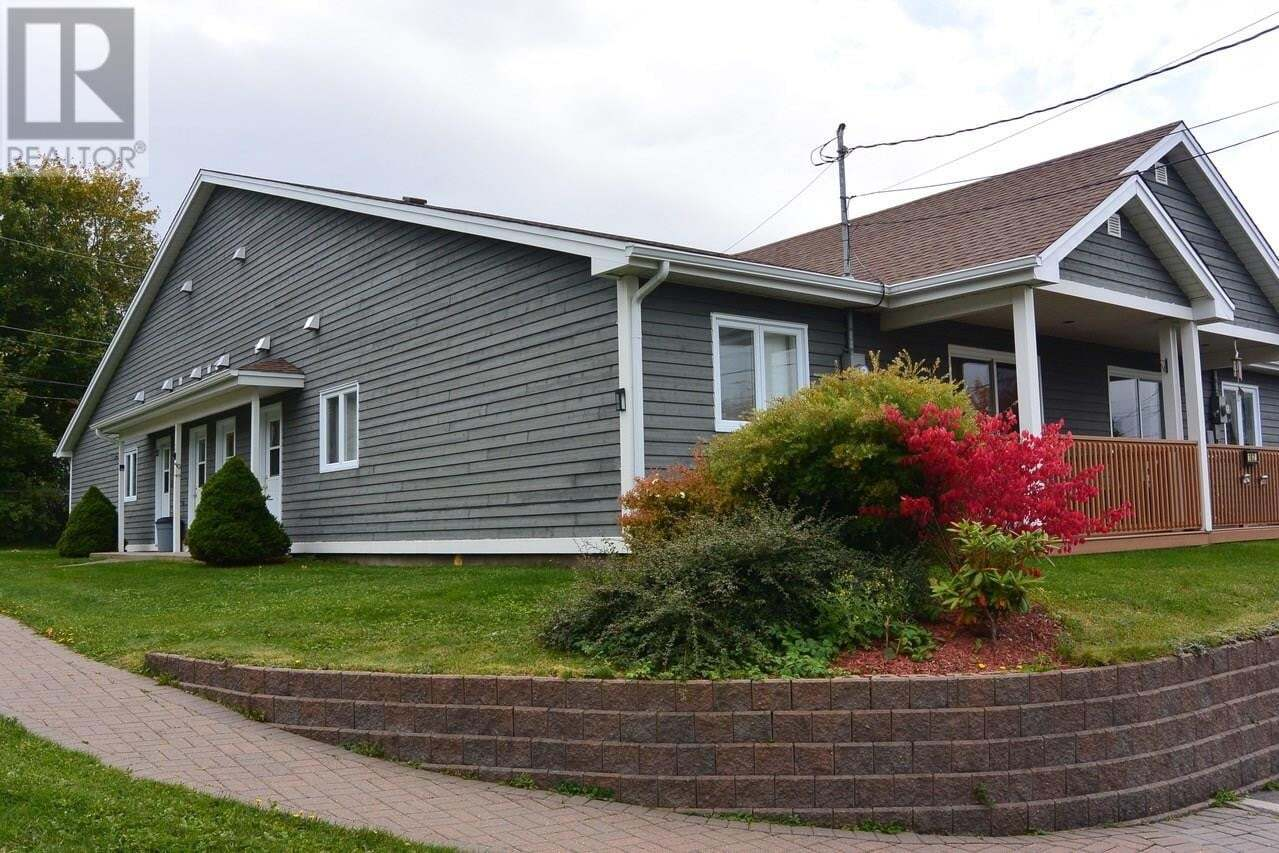 House for sale at 13 Elliotts Pl Conception Bay South Newfoundland - MLS: 1212740