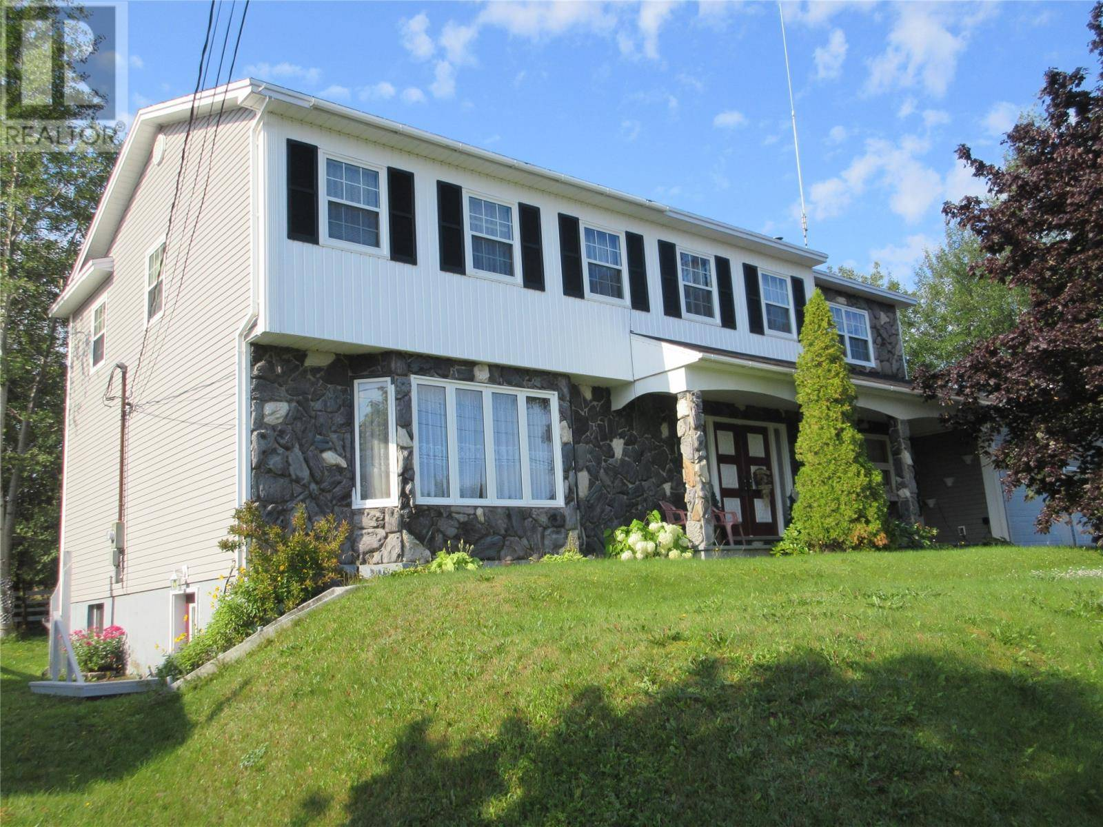 House for sale at 13 Harbourview Rd Botwood Newfoundland - MLS: 1210160