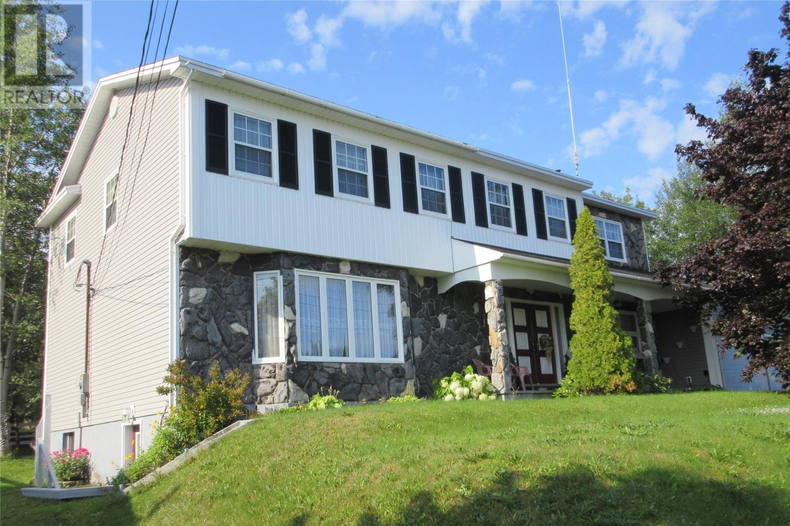 House for sale at 13 Harbourview Rd Botwood Newfoundland - MLS: 1223052