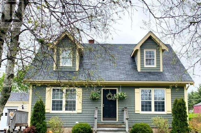House for sale at 13 Hillside Dr Bridgewater Nova Scotia - MLS: 202003947