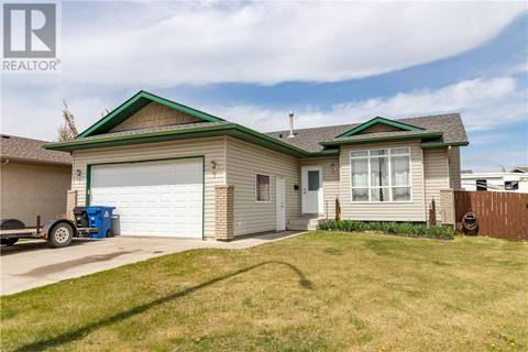 House for sale at 13 Laurel Cs Blackfalds Alberta - MLS: ca0167875