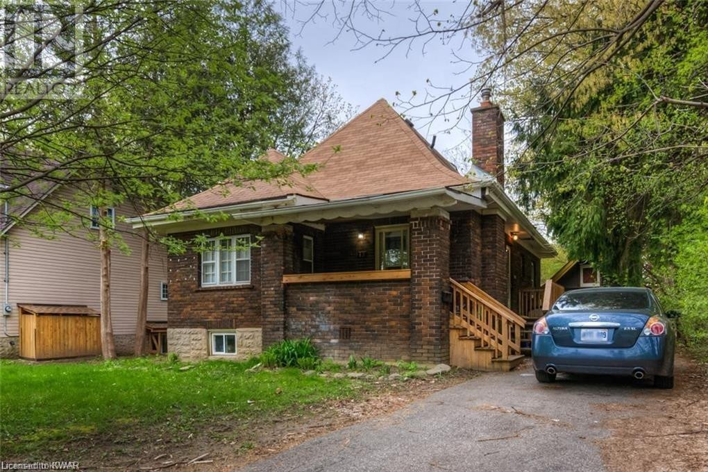Townhouse for sale at 13 Mcdougall Rd Waterloo Ontario - MLS: 40053555