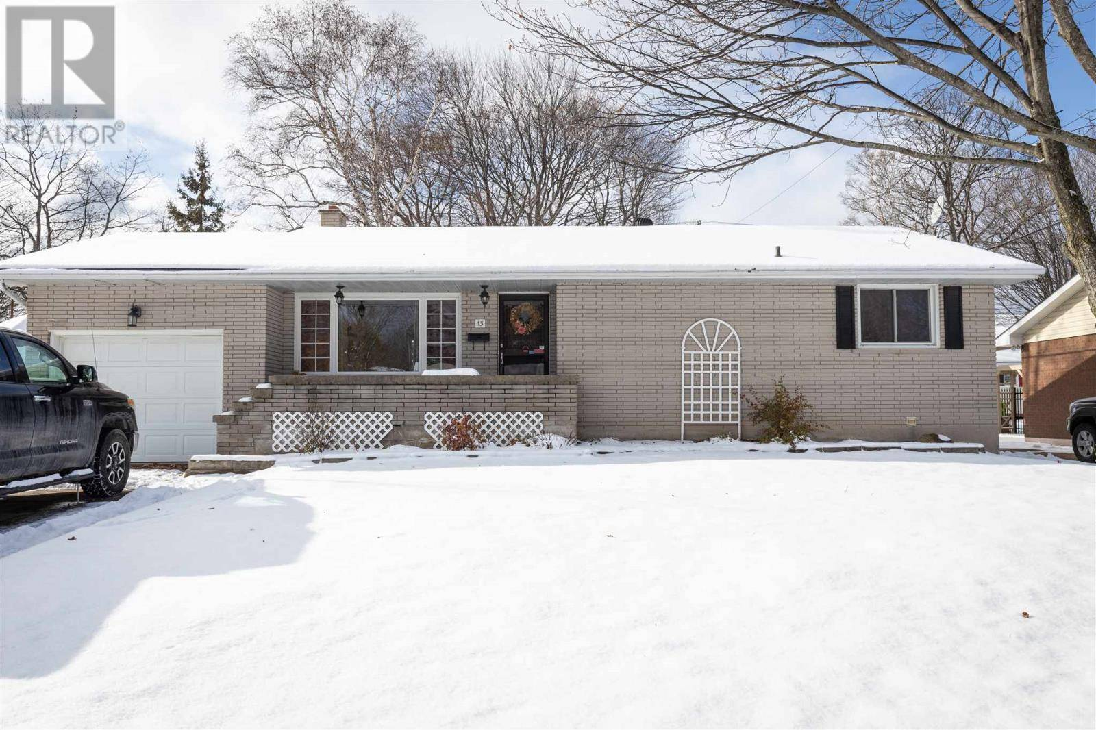 House for sale at 13 Plaintree Dr Sault Ste Marie Ontario - MLS: SM127918