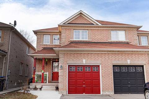 Townhouse for sale at 13 Prince Cres Brampton Ontario - MLS: W4734250