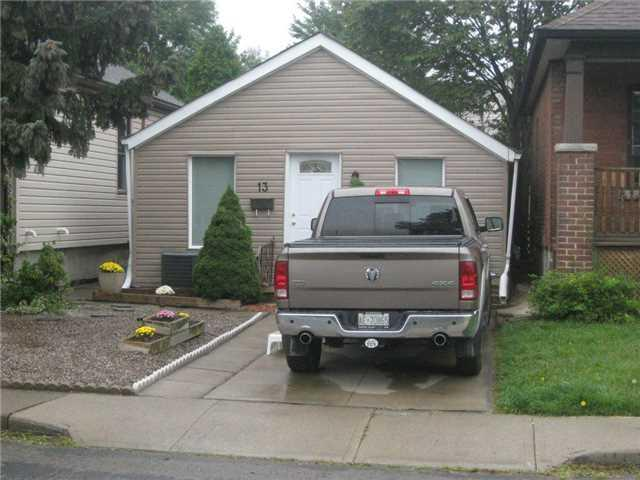 Removed: 13 Robins Avenue, Hamilton, ON - Removed on 2017-10-04 22:09:43