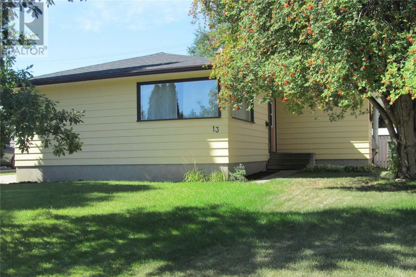 House for sale at 13 Stewart Ave Saskatoon Saskatchewan - MLS: SK826886