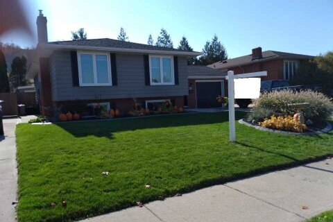House for sale at 13 Teak St Hamilton Ontario - MLS: X4972058