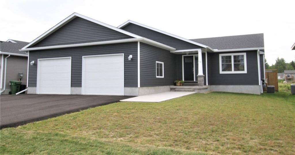 House for sale at 13 Terrance Dr Petawawa Ontario - MLS: 1165710