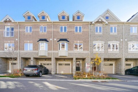 Townhouse for sale at 13 Waterstone Wy Whitby Ontario - MLS: E4980738