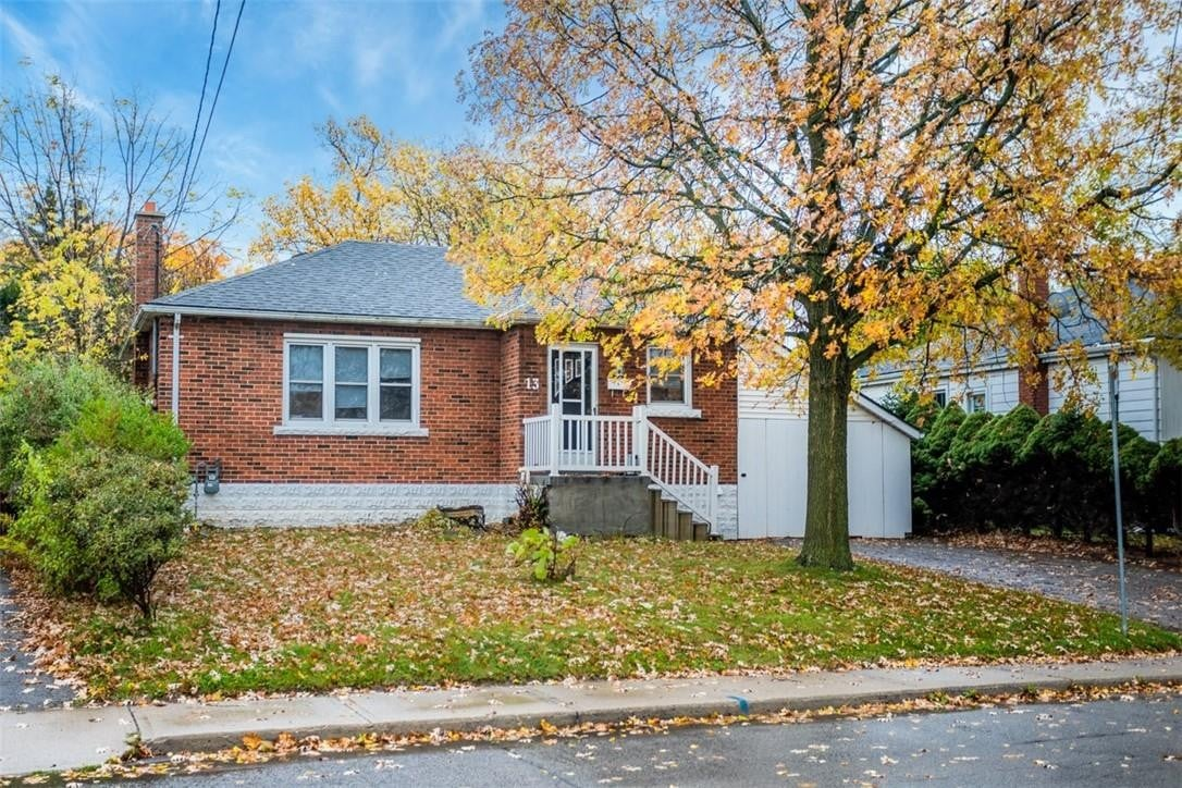 House for sale at 13 West 4th St Hamilton Ontario - MLS: H4091365