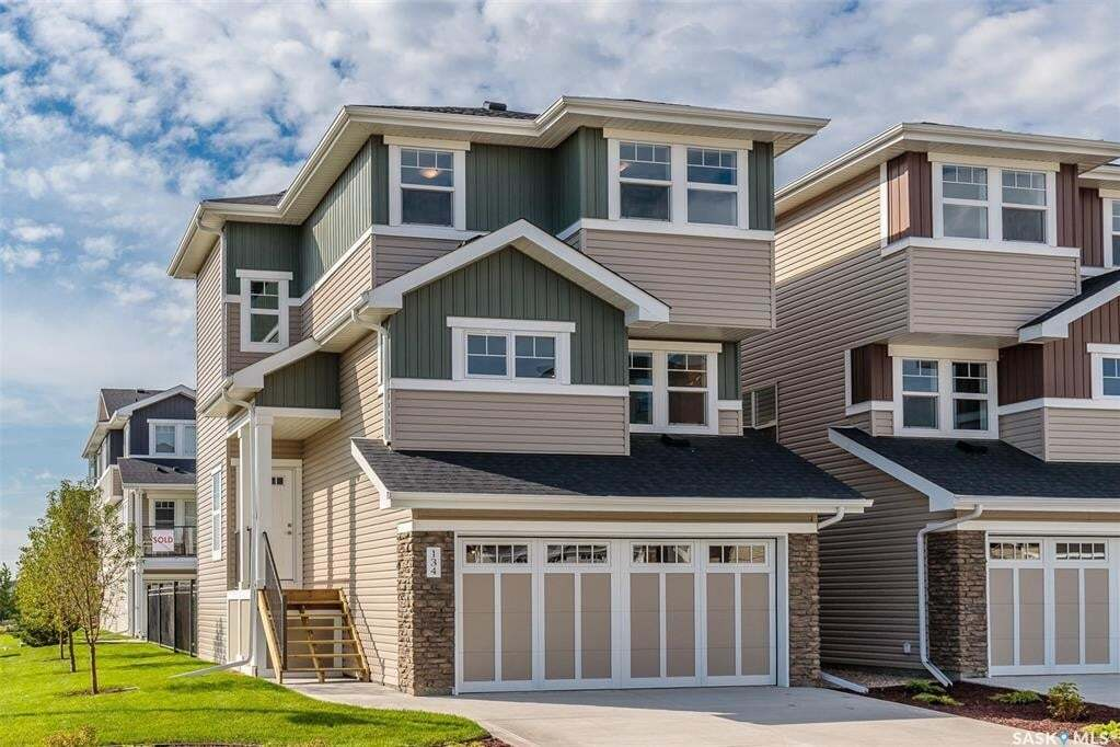 House for sale at 315 Dickson Cres Unit 130 Saskatoon Saskatchewan - MLS: SK810100
