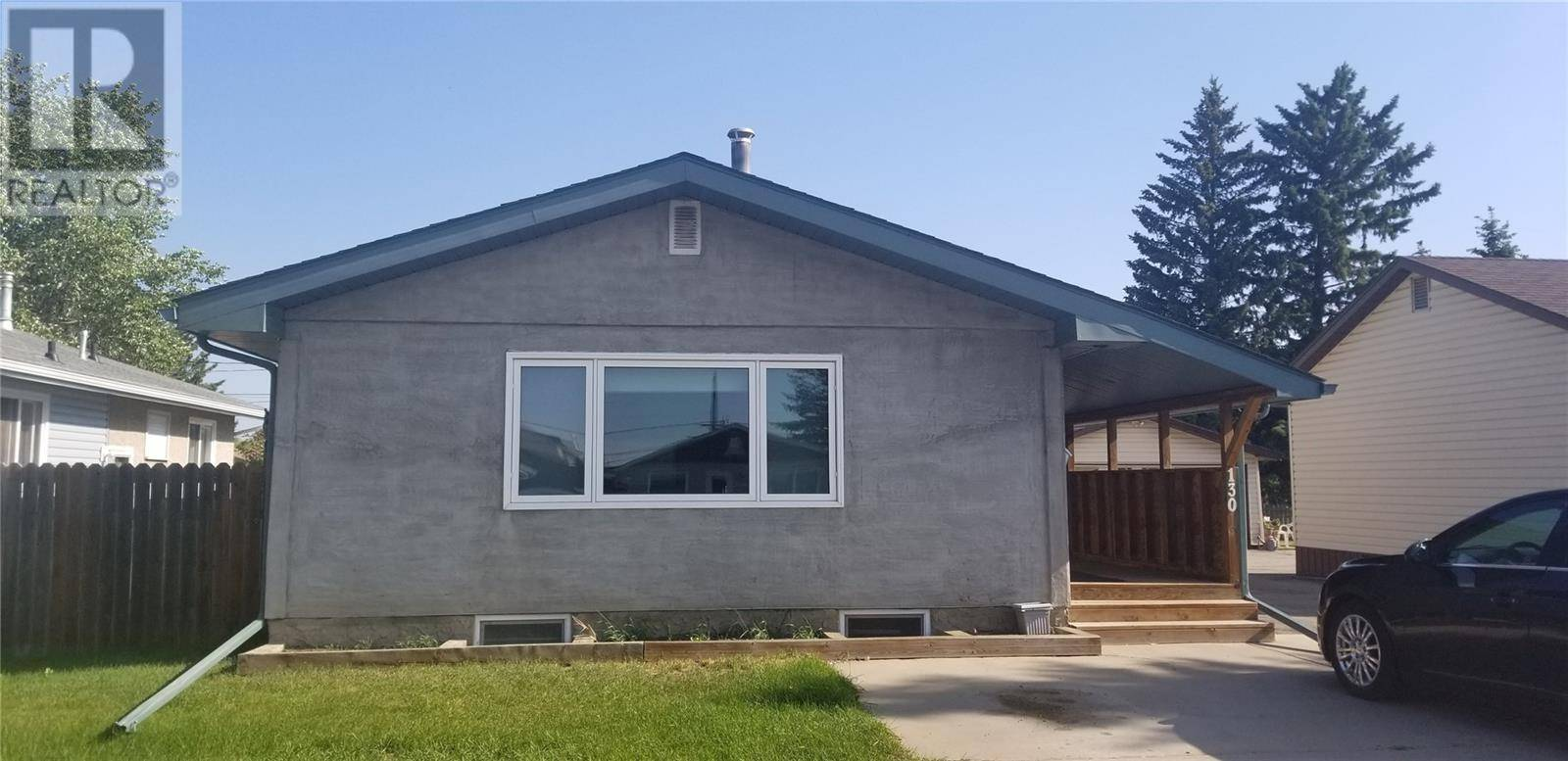House for sale at 130 31st St W Prince Albert Saskatchewan - MLS: SK777301