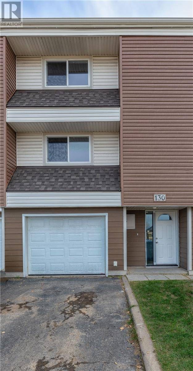 Townhouse for sale at 400 Silin Forest Rd Unit 130 Fort Mcmurray Alberta - MLS: fm0181045