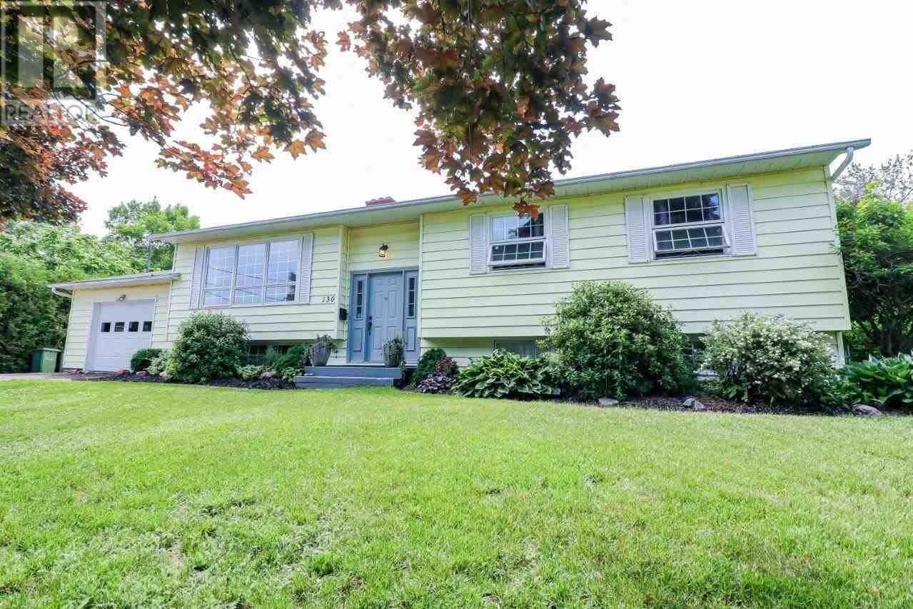 House for sale at 130 Bunbury Rd Stratford Prince Edward Island - MLS: 202012113