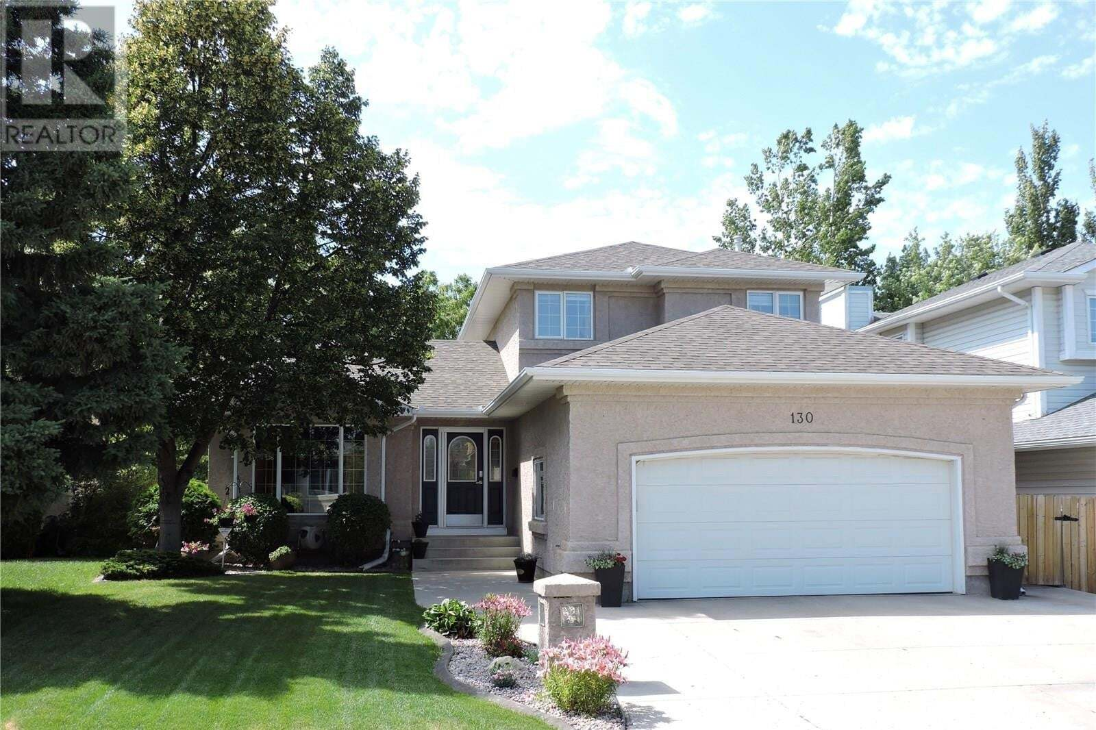 House for sale at 130 Hinitt Pl Saskatoon Saskatchewan - MLS: SK830833