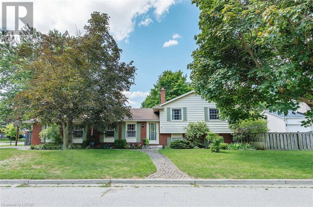 House for sale at 130 Queen Anne Circ London Ontario - MLS: 213991