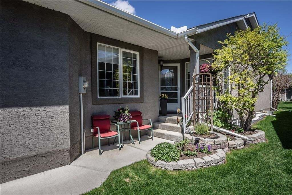 Townhouse for sale at 130 Riverside Cr NW Vista Mirage, High River Alberta - MLS: C4299059