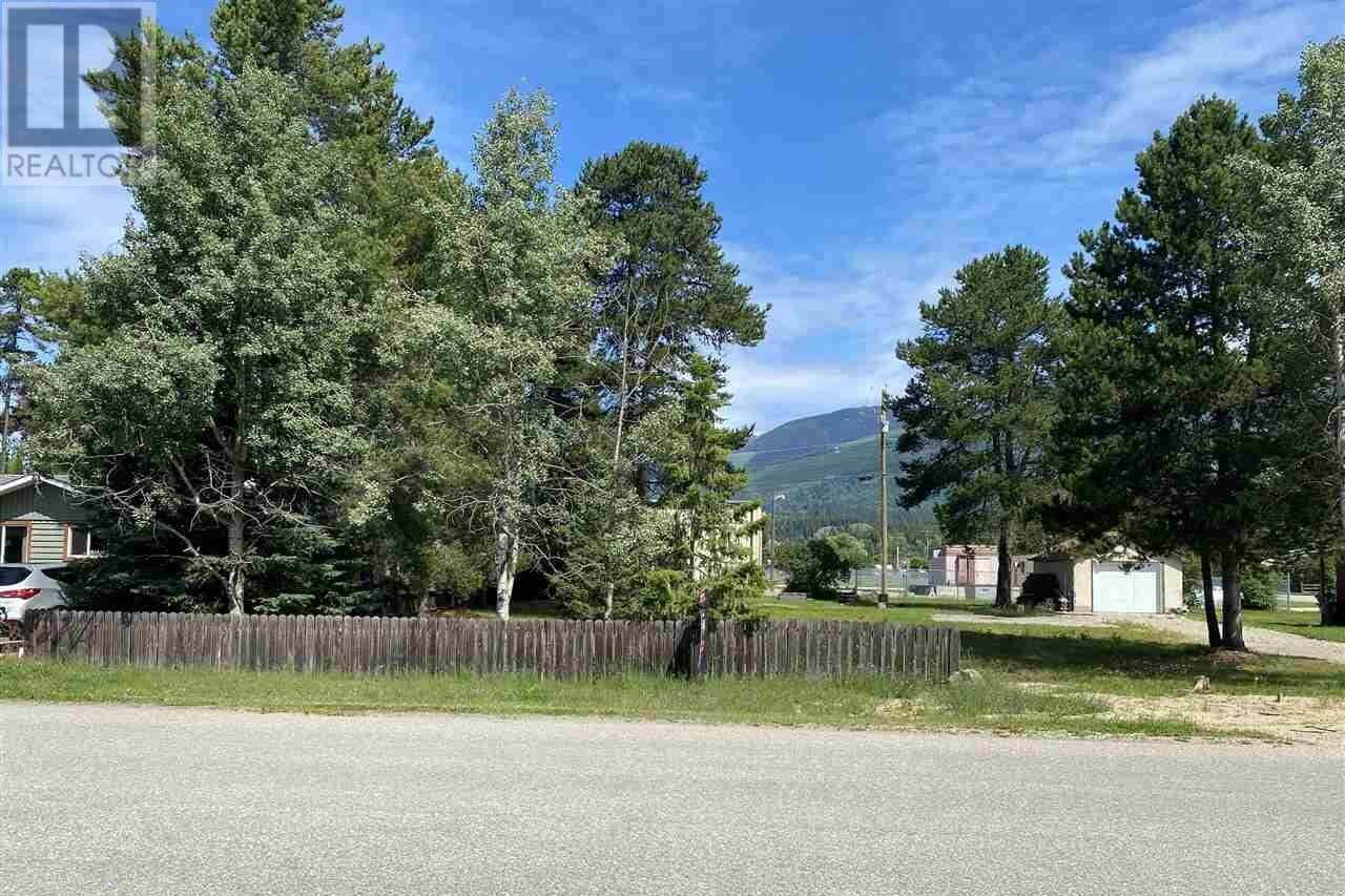 Residential property for sale at 1300 7th Ave Valemount British Columbia - MLS: R2450963