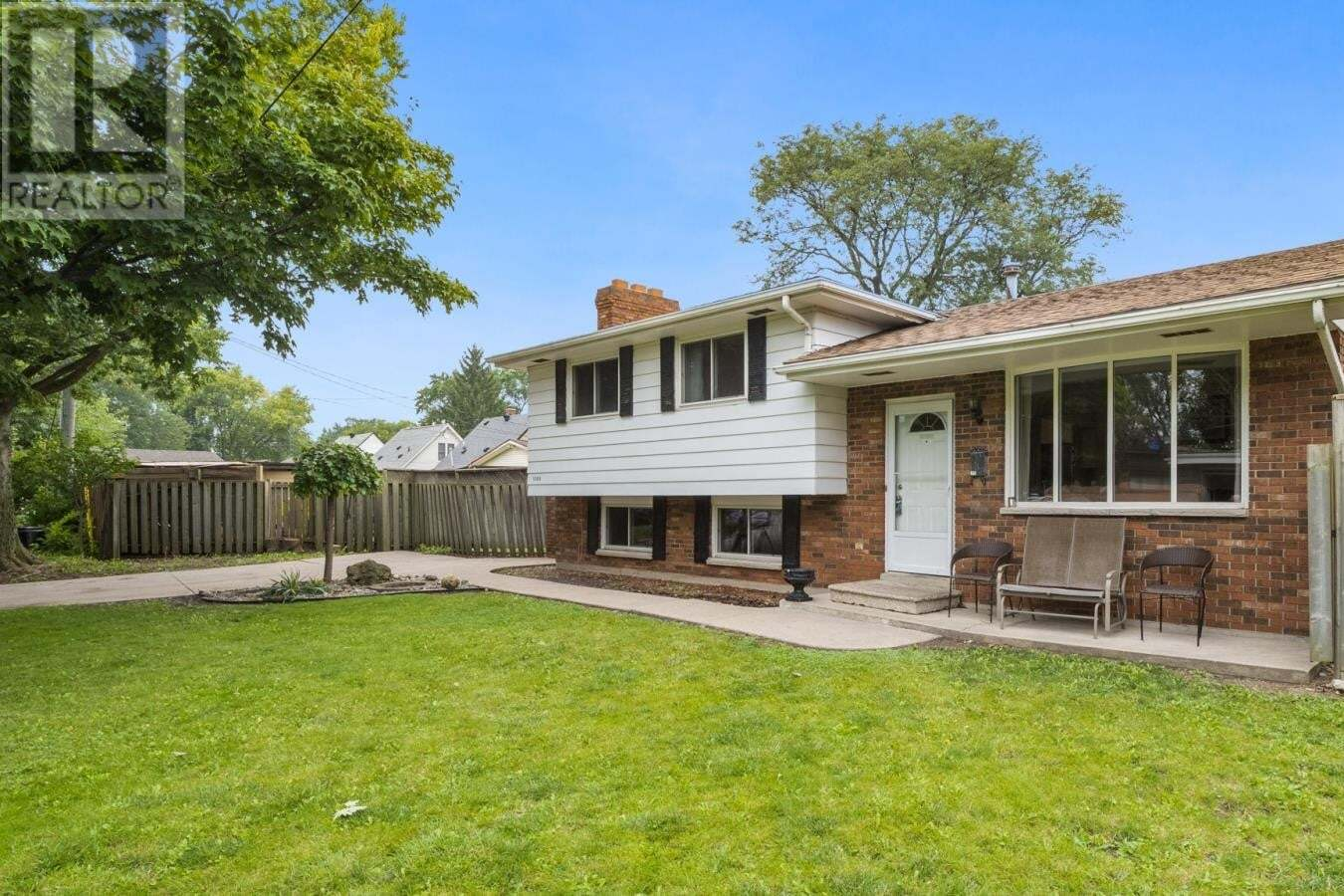 House for sale at 1300 Marlborough  Windsor Ontario - MLS: 20011975