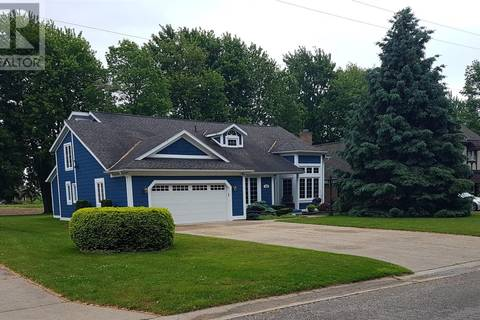 House for sale at 1300 Wigle Gr Kingsville Ontario - MLS: 19019746
